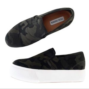 Steve Madden Gills Camouflage Sneakers Size 8